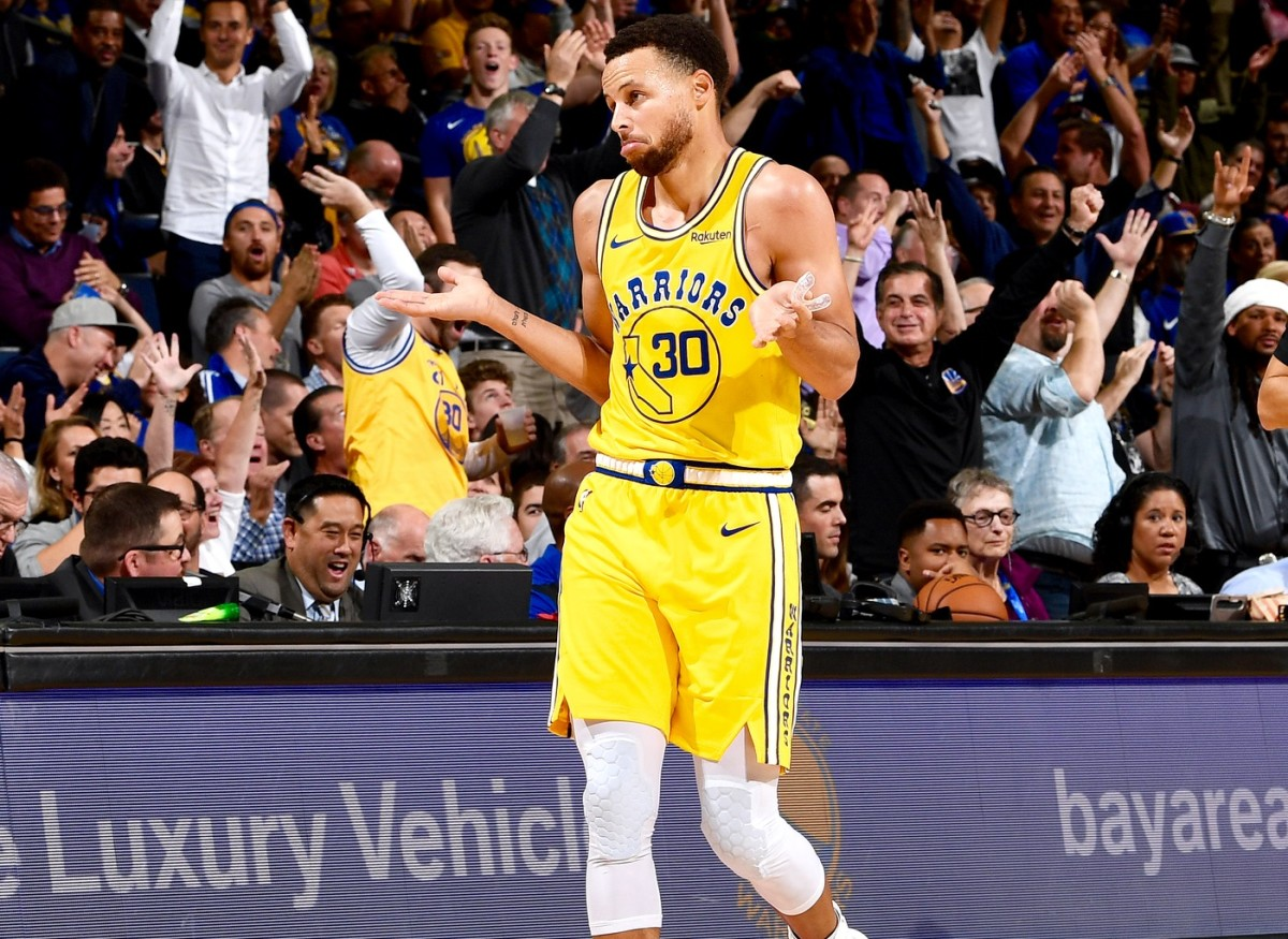 """Steph Curry Reacts After Lights Go Out Mid-Shot- """"I Hadn't Seen That One Before..."""""""