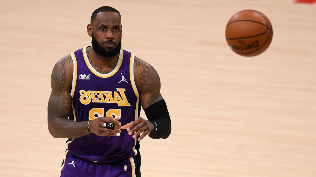 """NBA Insider On LeBron James' Injury Status- """"I Don't Know How You Couldn't Call It A Setback..."""""""