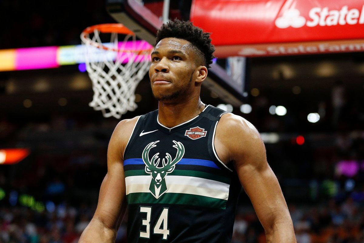 Giannis Antetokounmpo's Hilarious Reaction After Finding Out The Bucks Are 2nd In The East