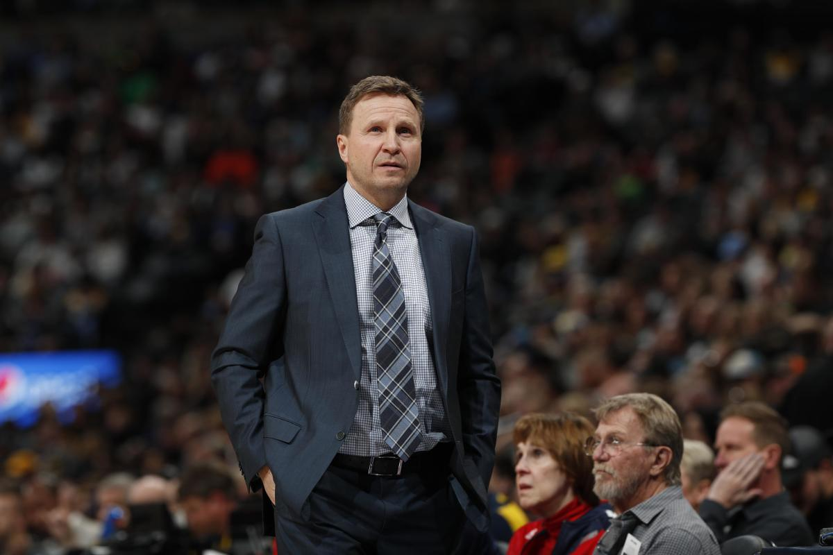 """Wizards Coach Scott Brooks Hilariously Changes His Mind About The Play-In Tournament After Wizards Secure 8th Seed- """"I'm With The King..."""""""