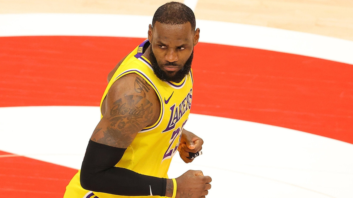 """Juan Toscano-Anderson Reveals What LeBron Told Him During Warriors Vs. Lakers Play-In Game- """"That Was Great Defense But I'm The Best Player In The World."""""""