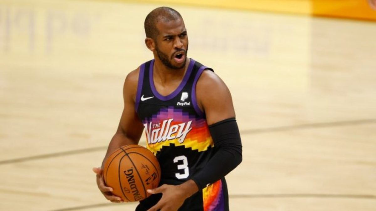 """Nuggets Head Coach Mike Malone- """"Chris Paul Could Arguably Be The Greatest Point Guard Of All Time."""""""
