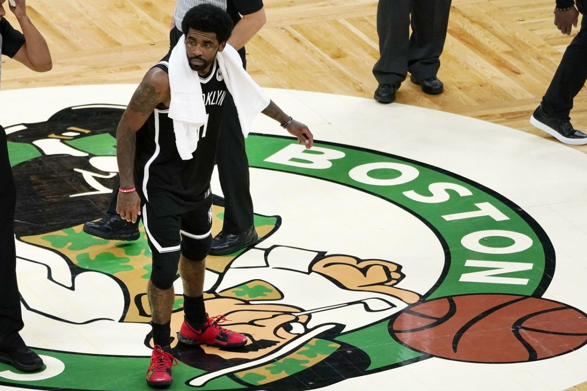 NBA Rumors- Boston Celtics Concerned At Players' Indifference Towards Kyrie Irving Stomping On Logo