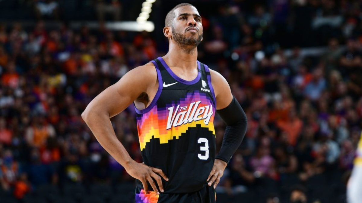 Crazy Stat- Suns Have A Better Offensive Rating With Chris Paul Off The Court Than They Do With Him On