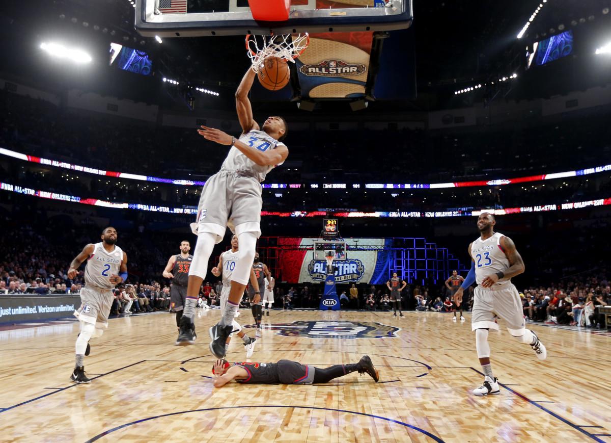 All_Star_Game_Basketball_20296.jpg-5e030