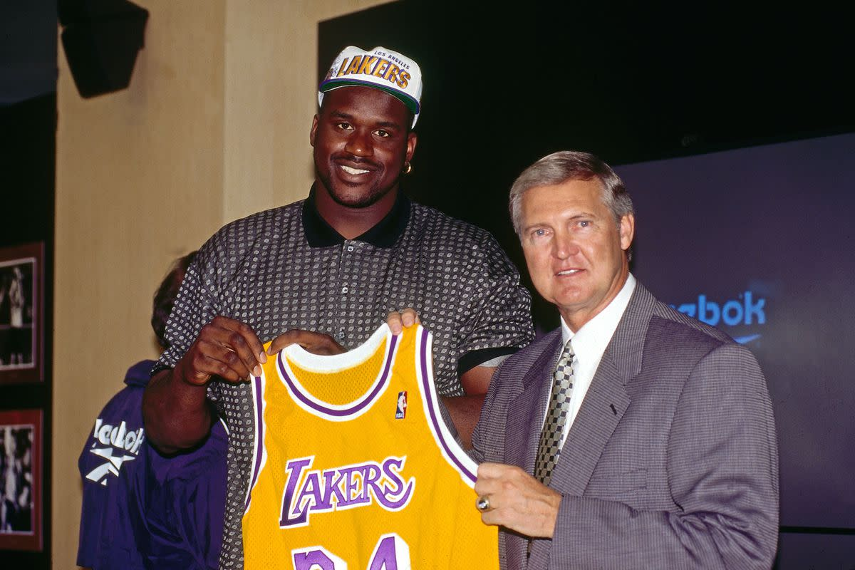 25 Years Ago Today, Shaquille O'Neal Signed A 7-Year:$121M Deal With The Lakers