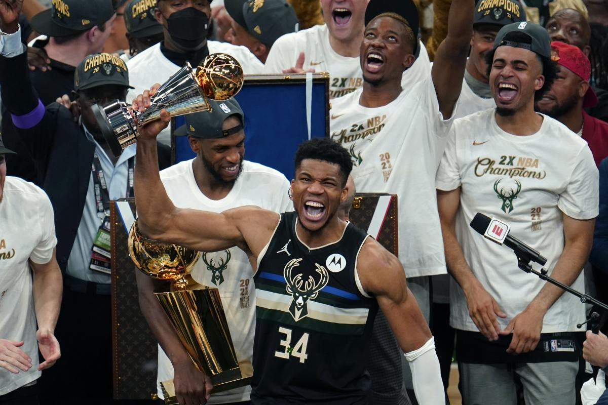 """Giannis Antetokounmpo Kisses NBA Championship Trophy, Then Tells Finals MVP Trophy """"Don't Be Jealous"""""""