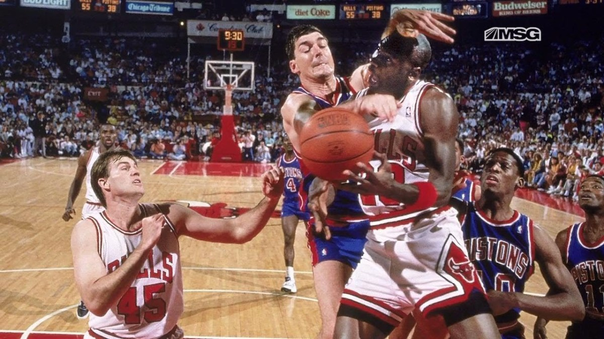 """Bill Laimbeer Dangerously Fouled Michael Jordan Hard, So Stan Albeck Fought Chuck Daly: """"When Do You Ever See This"""""""