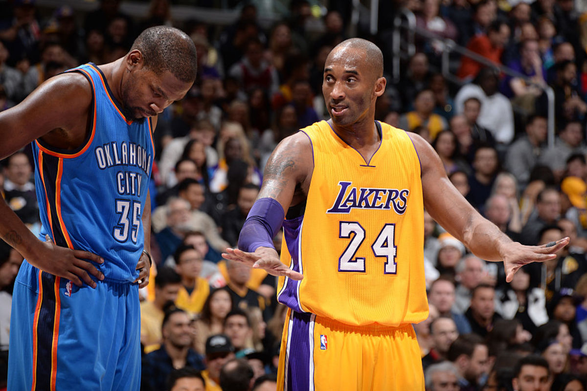 """When Kobe Bryant Literally Faked Kevin Durant Out Of His Shoes: """"Oh! What A Move On Kevin Durant!"""""""