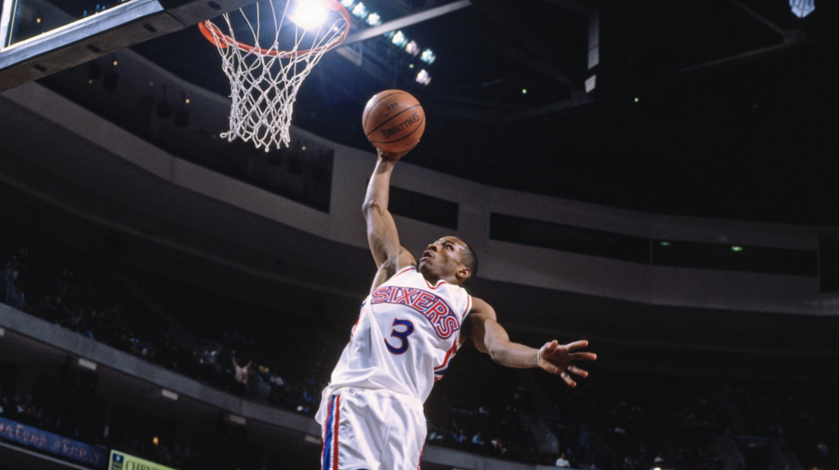 Allen Iverson Put On A Show In His Debut Against Ray Allen And The Milwaukee Bucks, Scored 30 Points