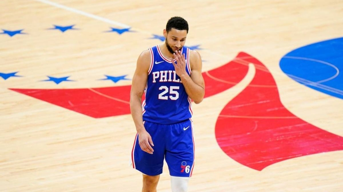 Ben Simmons Has A Lower 3 Point Shooting Rating Than DeAndre Ayton, Dwight Howard, And JaVale McGee In NBA 2K22