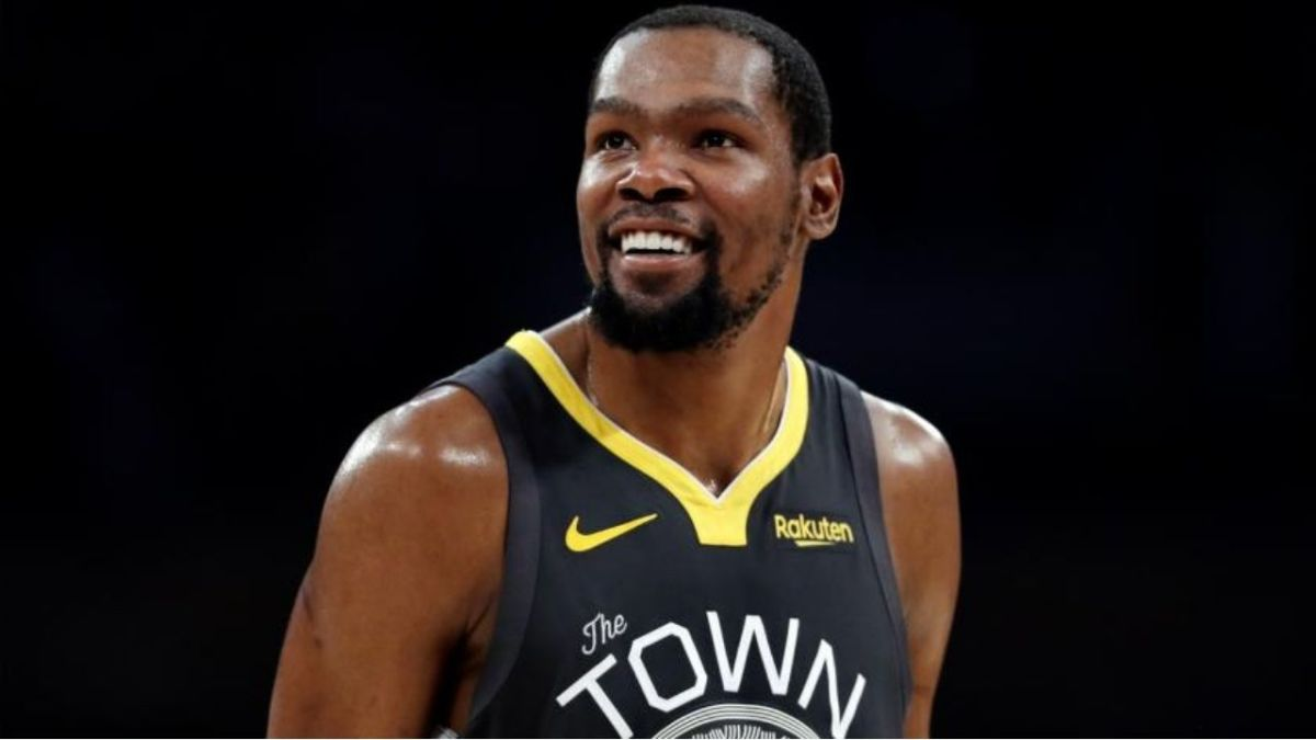 """Kevin Durant On JR Smith's Mistake In The 2018 NBA Finals: """"I'm Happy He Made The Decision To Do That."""""""